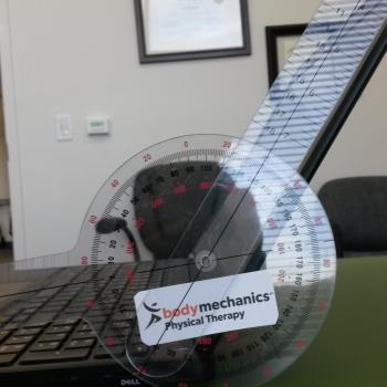 ergonomic laptop monitor angle